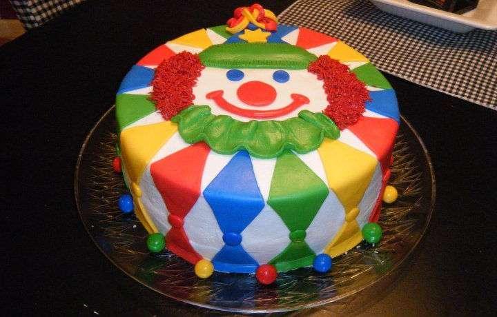 Mért nem eszik a szülinapi tortából a Bohóc?